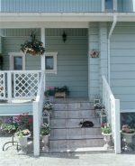 Постройка крыльца к дому своими руками – Крыльцо дома своими руками — 3 лучших варианта!